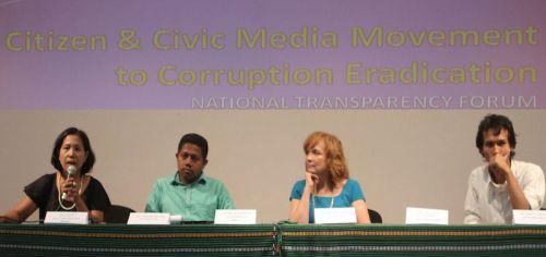 Dari kiri ke kanan: mba Dinorah Granadeiro, mas Tito De Jesus Filipe, bu Karen Stanton, dan saya.