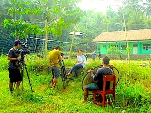 Tim Kompas tengah mempersiapkan wawancara siswa dan guru SMK. (Foto: Yudha PS)
